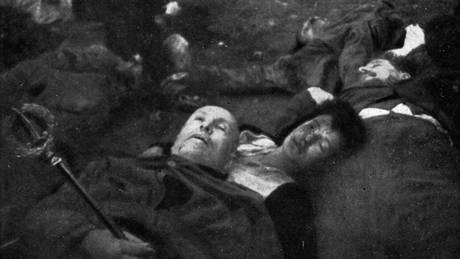 I cadaveri di Benito Mussolini e di Claretta Petacci
