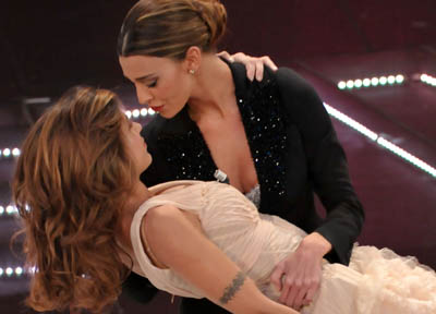 Sanremo, col Festival arriva la Finanza. Ivana ko, sul palco Belen e la Canalis