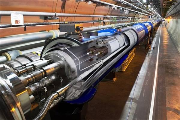 L'acceleratore Lhc più potente nel 2012. Elevata l'energia a 4.000 miliardi elettronvolt (4 TeV)