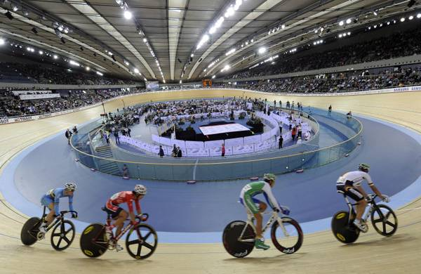 Verso le olimpiadi del 2012, in pista al velodromo di Londra