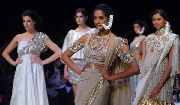 Settimana della moda di Mumbai, modelle per Payal Singhal
