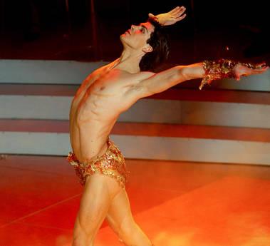 Il sexy Roberto Bolle danzera' a Verona