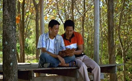 Cassazione su coppie gay 'Diritto a vita familiare'
