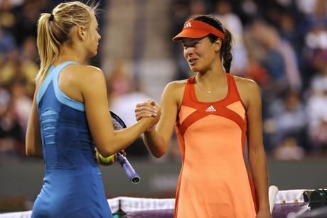 Sharapova vince la sfida delle bellissime Maria Sharapova, Azarenka