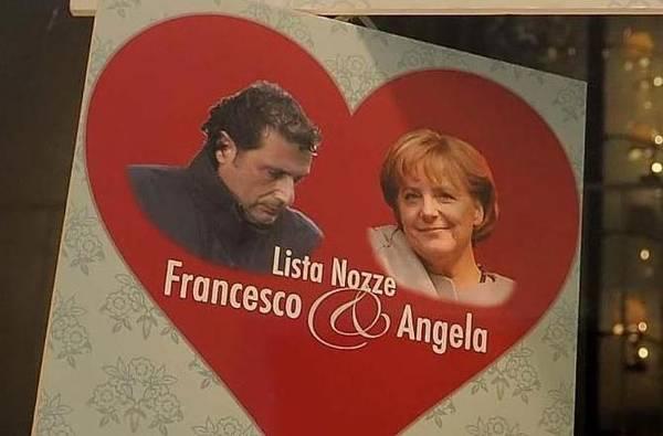 Lancia lista di nozze choc per coppie difficili - Schettino con Angela Merkel