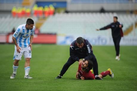 Choc in campo a Pescara, muore Morosini nella Partita Pescara-Livorno