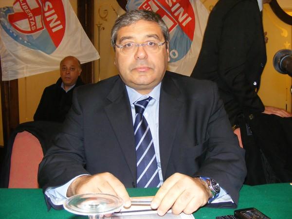 Il primo eletto in ITALIA del partito UDC di Casini? Totò CUFFARO il politico condannato per MAFIA!
