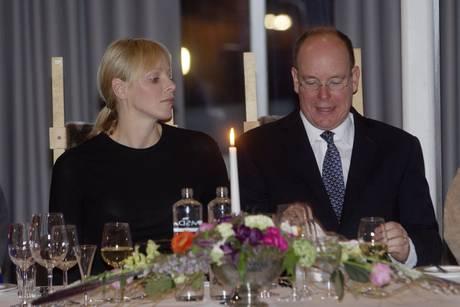 La moglie del principe Alberto di Monaco, Charlene Wittstock, è depressa perché manca erede
