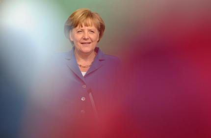 Parigi-Atene-Kiel, urne fanno tremare Merkel