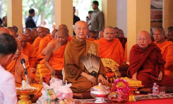 Cambogia, celebrazioni per la nascita del Buddha