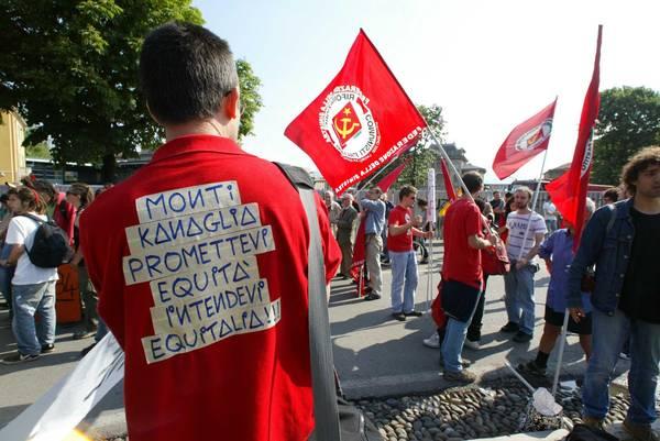 Contro Monti, a Bergamo: t-shirt con messaggio duro e chiaro