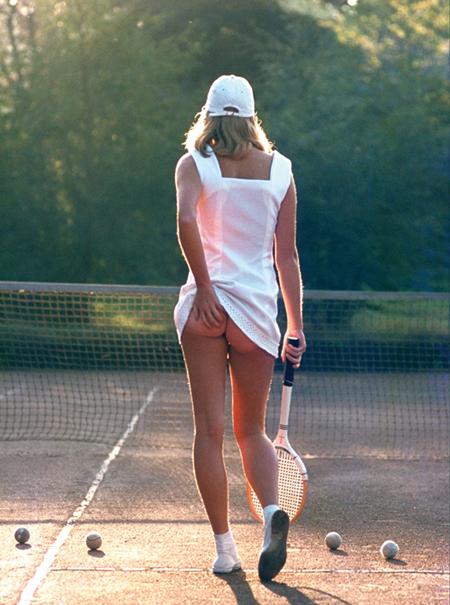 'Ragazza Tennis' Martin Elliotts è un classico iconico in tutto il mondo