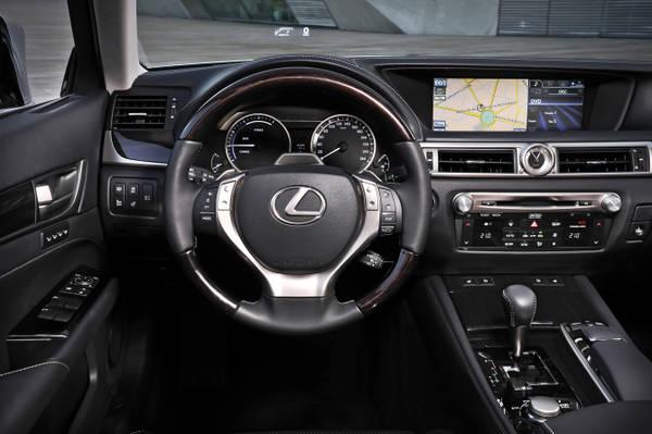 Nuova Lexus GS 450h, l'ammiraglia diventa piu' verde. Climatizzatore idrata la pelle