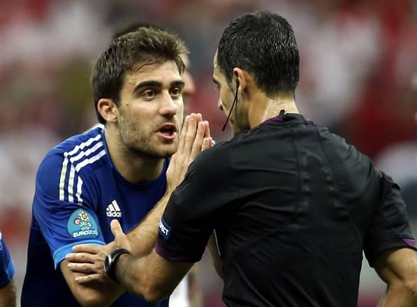Polonia-Grecia: E' greco il primo espulso dell'Europeo di calcio 2012 Papastathopoulos