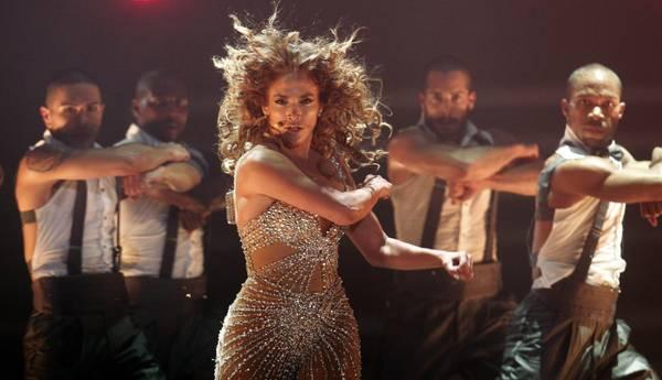 San Paolo in delirio, sul palco c'è J.Lo. Scatenata esibizione durante il festival