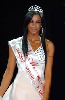 Miss Mamma 2012 è Francesca Colasanti una musicista ha vinto la 19/a edizione a Cesenatico