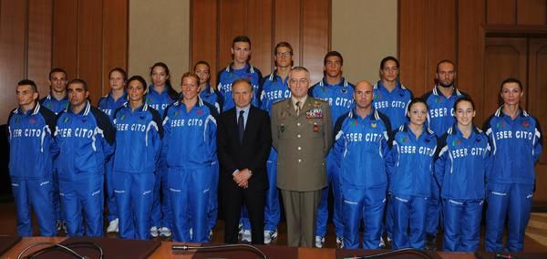 Londra 2012: il saluto agli atleti olimpici dell'Esercito