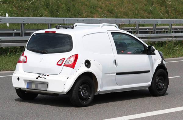 Renault, gia' su strada le prossima gemelle Twingo-Smart. Motore e trazione posteriori