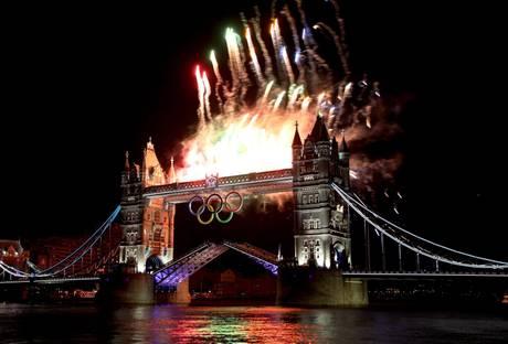 Londra, al via i Giochi con Regina