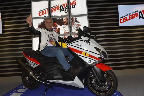 Yamaha TMAX 530 'AGO' dedicata a 70 anni di Agostini