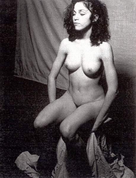 Madonna nuda vale 10mila dollari. Una sua foto all'asta