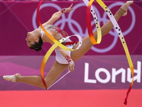 La magia del nastro incanta le Olimpiadi