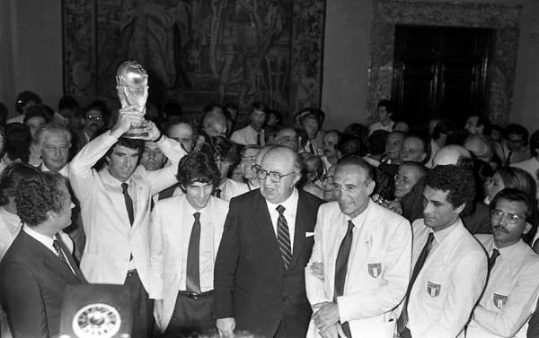 Italia alza la coppa, 30 anni Mundial '82