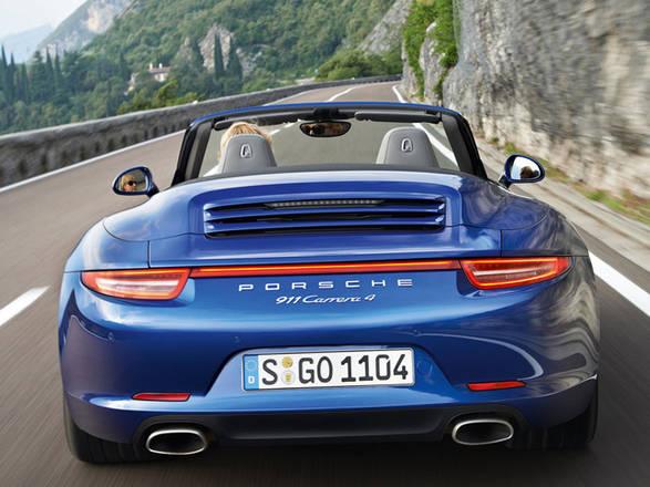 Porsche: Nuove 911 Carrera 4 e 4S piu' leggere e veloci. Con trazione integrale, guida piacevole