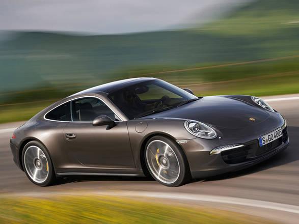 Porsche: Nuove 911 Carrera 4 e 4S piu' leggere e veloci. Con trazione integrale guida piacevole