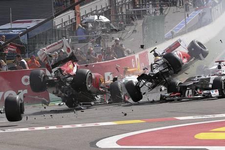 F1: Button vince Gp Belgio. Lo schianto al via
