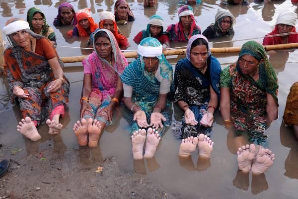 India: protesta contro la diga Omkareshwar sul fiume Narmada