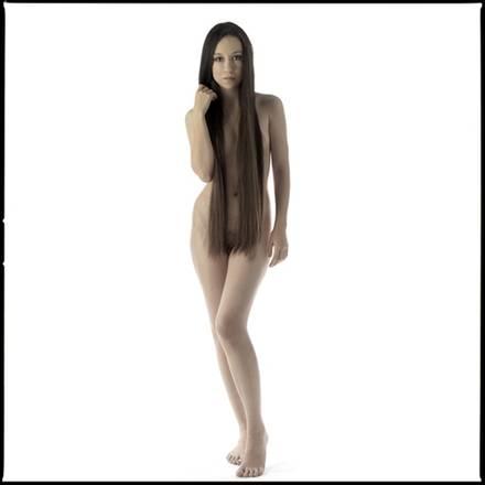 A Lugano le 'donne a nudo' di Edo Bertoglio. Inediti scatti in mostra: aromonia di linee, forme