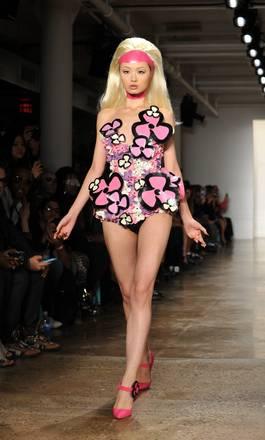 Sfialata di New York, dei famosi stilisti. Trasgressione ed eleganza con Blonds