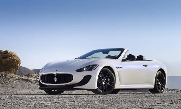 Maserati: a Parigi l'anteprima mondiale per la GranCabrio Mc
