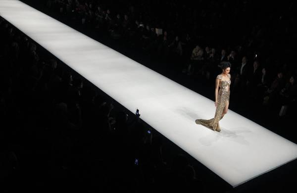 Moda sexy e bizzarra tra Mosca e Seul