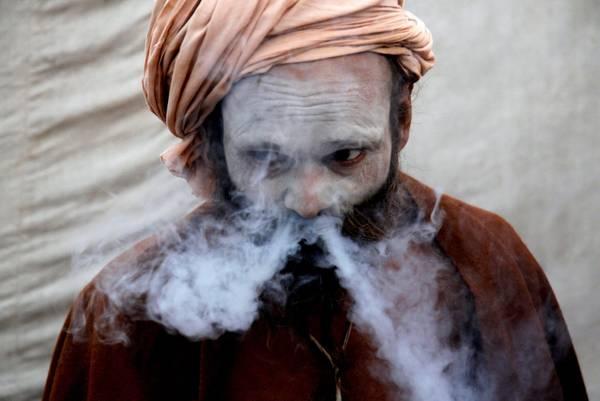 Il bagno sacro dei pellegrini hindu. Arrivano da tutta l'India per lavare via i peccati