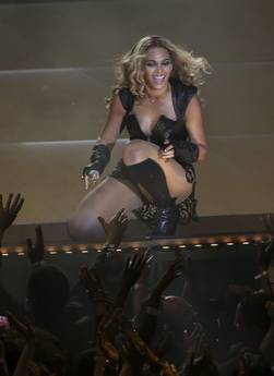 Beyonce' superstar al Superbowl, ora il tour