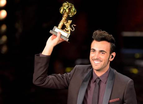 Sanremo: Mengoni trionfa al festival della canzone