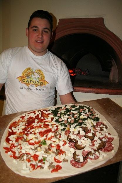 Il pizzaiolo dell' Hotel Sammartino Enzo - Agnone - IS