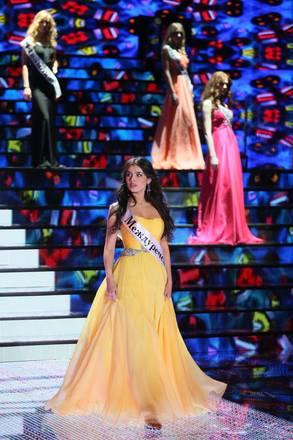 Miss Russia 2013: Elmira Abdrazakova, arriva dalla Siberia, ha stravinto la finale a Mosca
