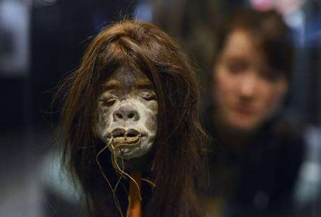 In mostra a Tokyo l'odissea dell'umanita'. La testa di un ominide di una tribù dell'Ecuador