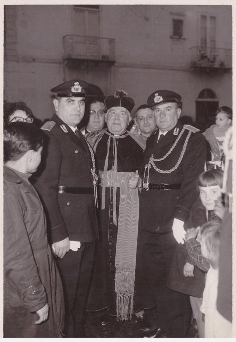 Il comandante VVUU Vincenzo Piccolo, don Raffaele, mons Coppola, Luigi Iorio Volla (NA) 20/01/1963