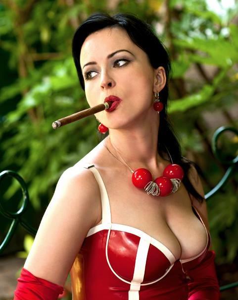 Vi invio alcune foto della mia dolce moglie Antonella - Pescara