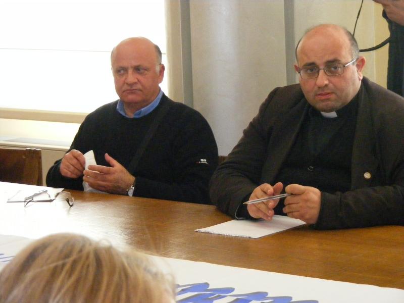 Tagli Caracciolo, don Francesco Martino si scaglia contro Comune e Comitati civici