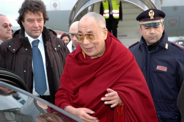 Dalai Lama giunto a Roma per cittadinanza onoraria