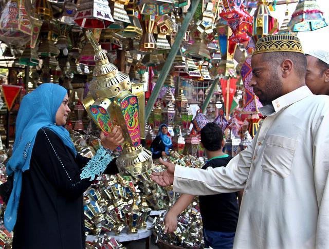 Musulmani si preparano al Ramadan, inizierà il 28 giugno