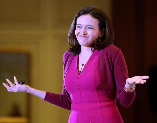 La direttrice operativa di Facebook, Sheryl Sandberg