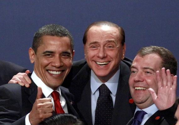 Foto ricordo al G20 Berlusconi tra Obama e Medvedev -