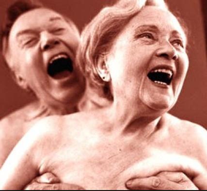 Orgia solo per anziani: Muoiono in sette per infarto e edema polmonare