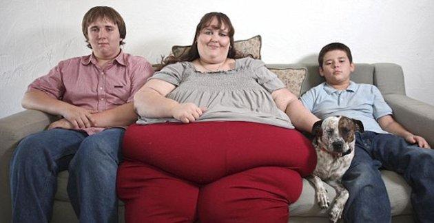 Susanne Eman, la 33enne 370kg che sogna di battere il record della donna più grassa del mondo (730 c